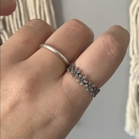Pandora Flower Crown Ring